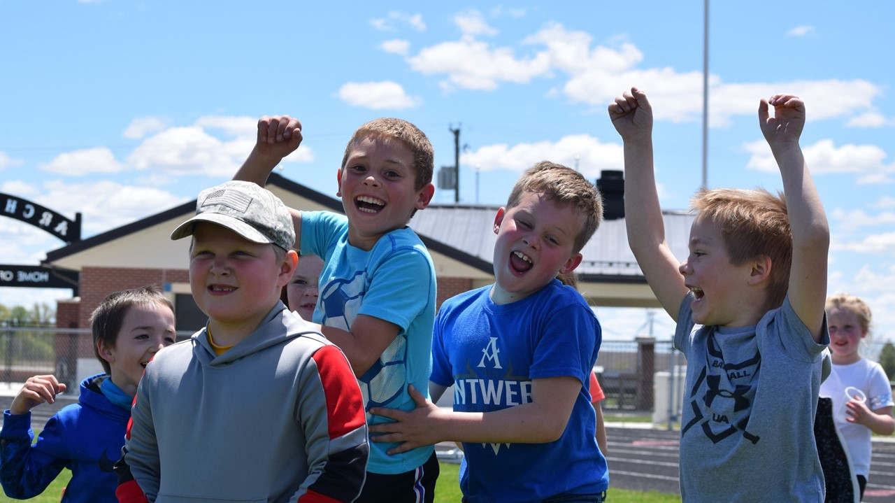 students at K-2 field day
